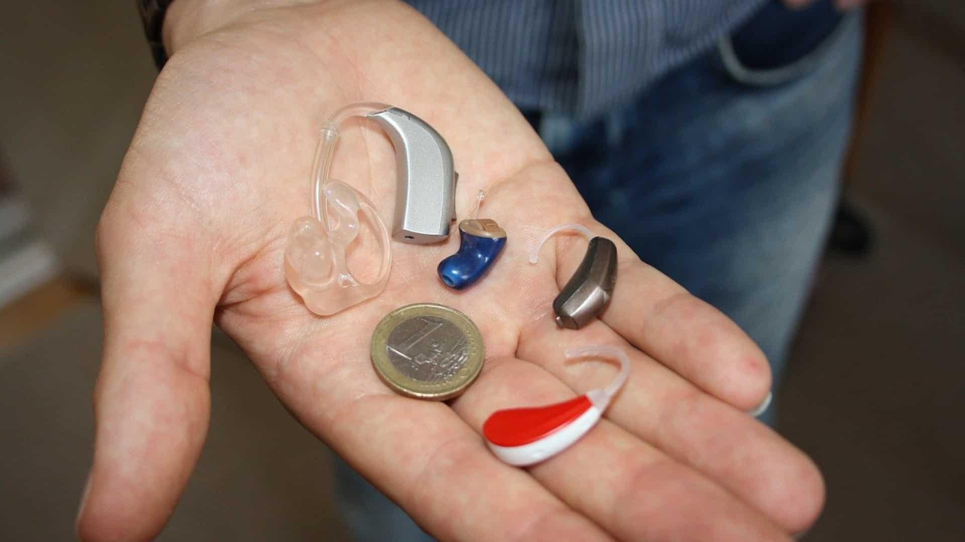 Appareil auditif invisible : particularités et avantages